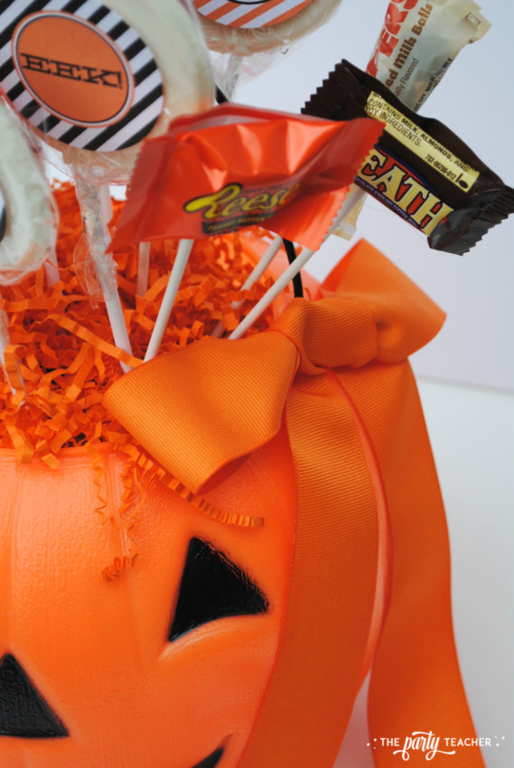 Halloween Candy DIY Centerpiece by The Party Teacher - add ribbon