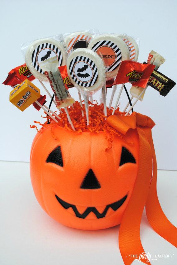 Halloween Candy DIY Centerpiece by The Party Teacher - centerpiece