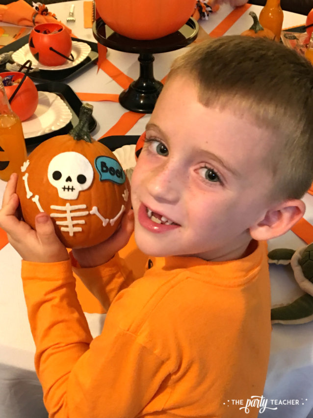 Pumpkin Decorating Halloween Party by The Party Teacher - kids