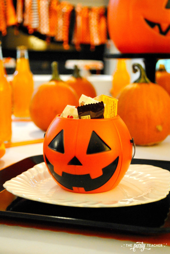 Pumpkin Decorating Halloween Party by The Party Teacher - party favor