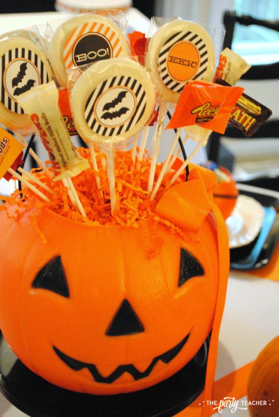 Halloween Candy DIY Centerpiece by The Party Teacher - centerpiece 3