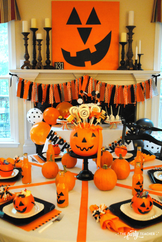 Pumpkin Decorating Halloween Party by The Party Teacher - dining table