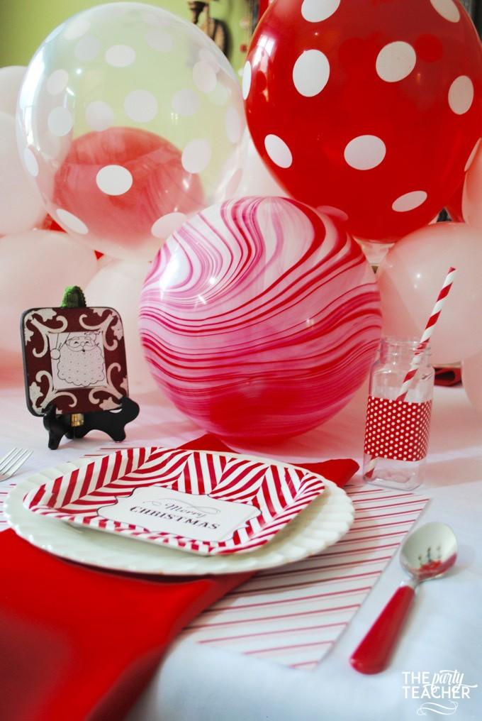How to make a balloon garland by The Party Teacher   diy balloon garland   balloon garland diy   homemade balloon garland   diy party decor   balloon garland tutorial    Design Dazzle #balloongarland #diypartydecor #partydecorideas