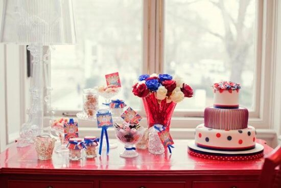 cake-table-royal-inspiration-candy-jars by Rock My Wedding via MyWedding