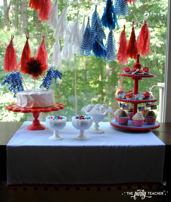 4th of July Kids Table by The Party Teacher - dessert table