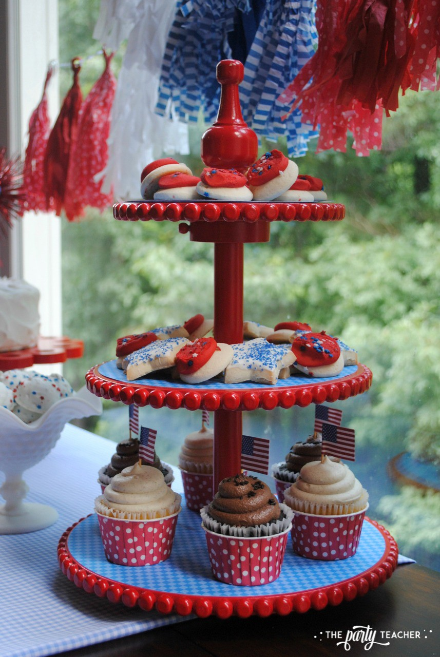 4th of July Kids Table by The Party Teacher - tiered tray of cookies and cupcakes