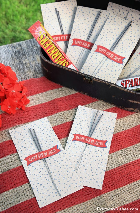 4th of July free sparkler holders by Everyday Dishes