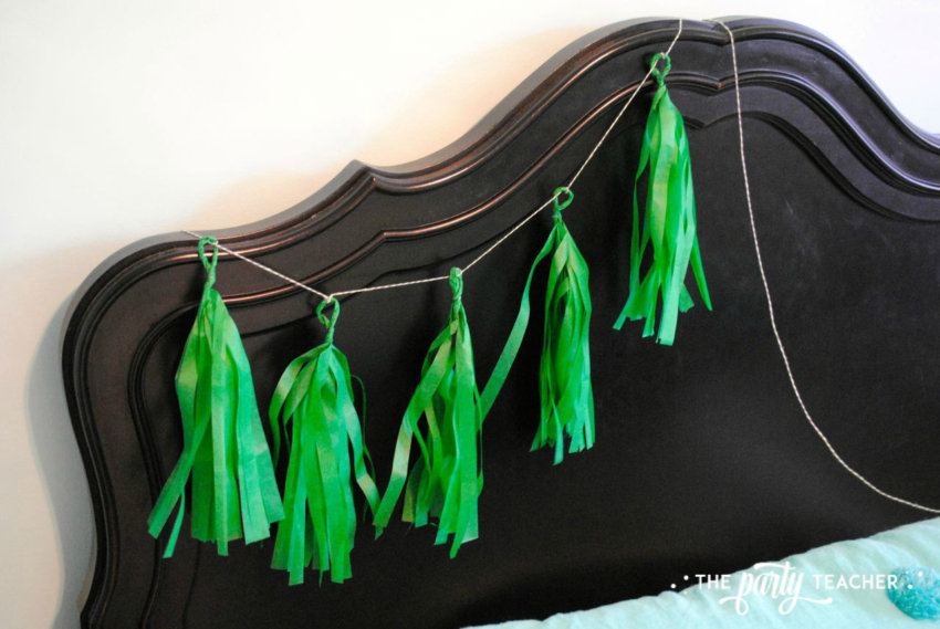 Christmas Tree Tissue Garland by The Party Teacher-20