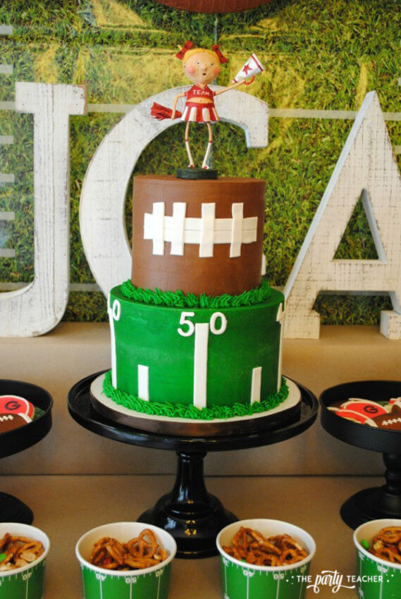 Football Party by The Party Teacher - cake 2