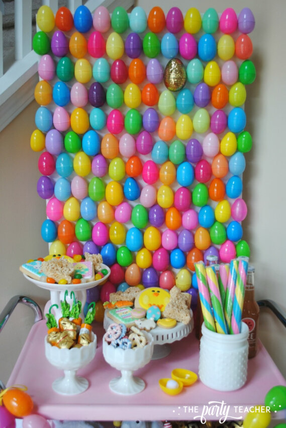 Easter Bar Cart by The Party Teacher - egg backdrop 2