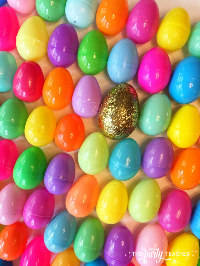 Easter egg backdrop by The Party Teacher-3