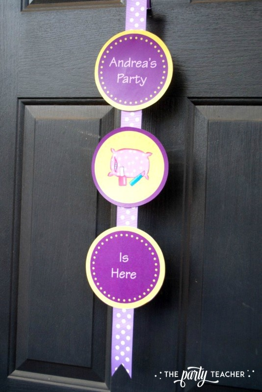 Girls Rule Slumber Party - front door decor - The Party Teacher
