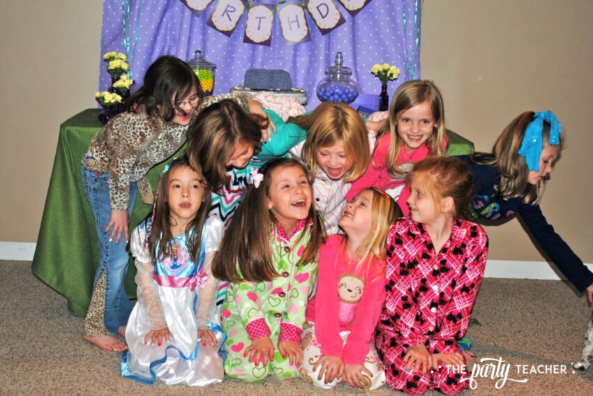 Girls Rule Slumber Party - guests - The Party Teacher