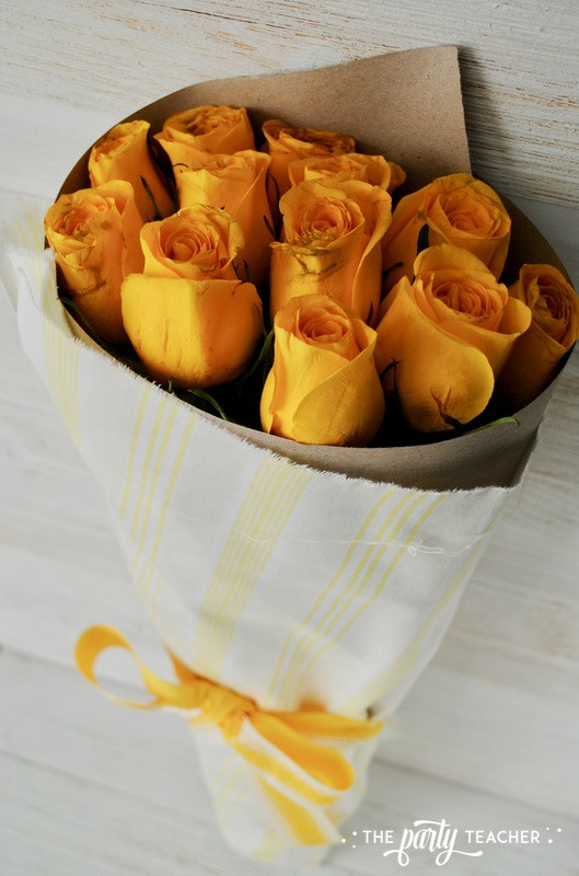 How to wrap a bouquet by The Party Teacher - 20