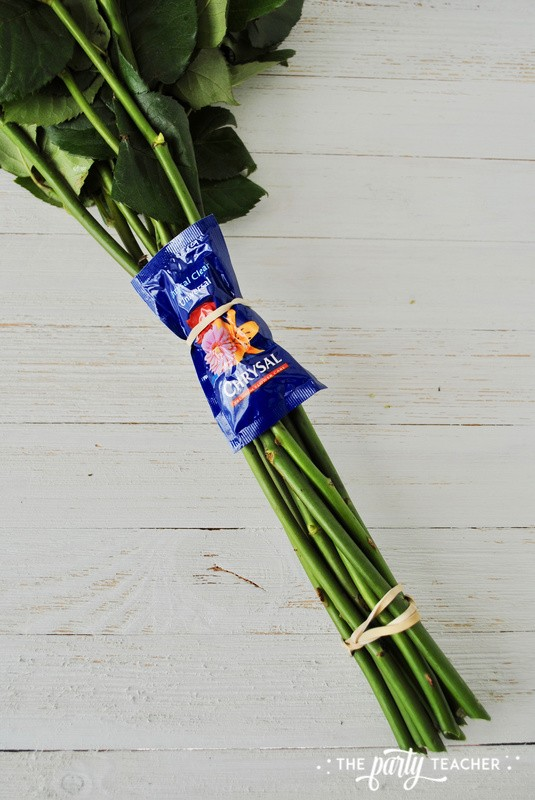 How to wrap a bouquet by The Party Teacher - 5
