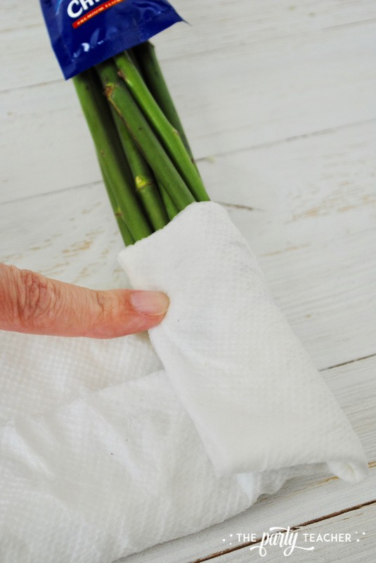 How to wrap a bouquet by The Party Teacher - 7
