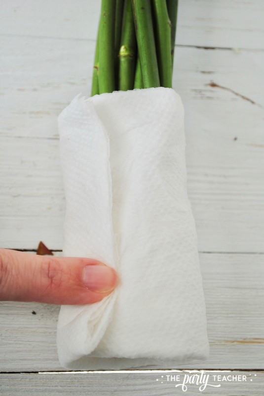 How to wrap a bouquet by The Party Teacher - 8