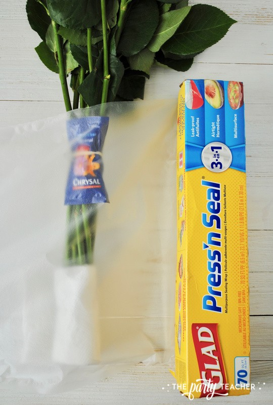How to wrap a bouquet by The Party Teacher - 9