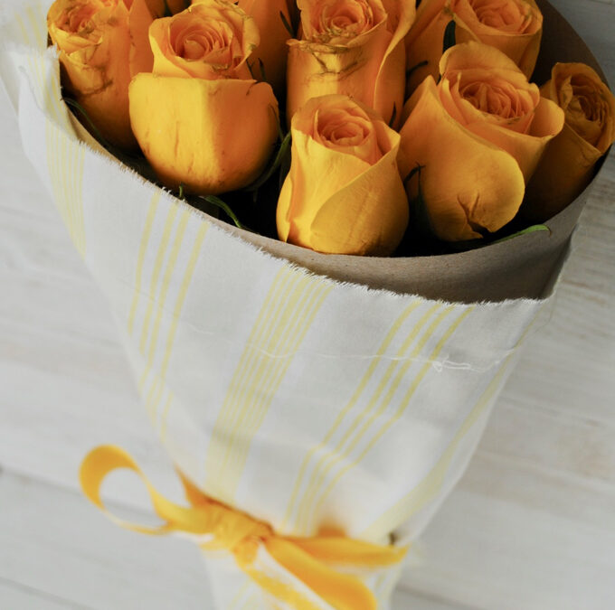 Tutorial: How to Wrap a Bouquet