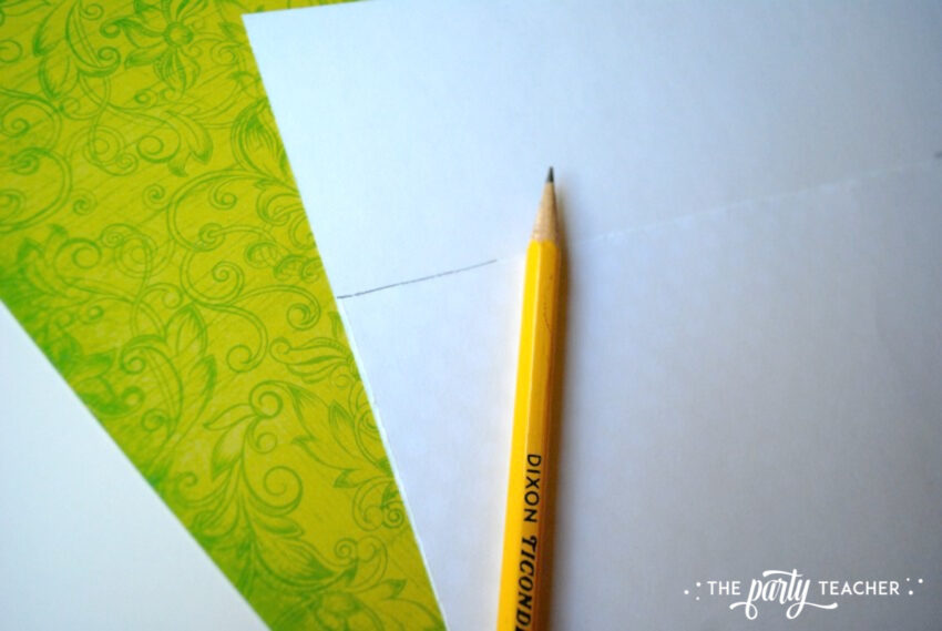Transform decor - cut background paper equally - The Party Teacher