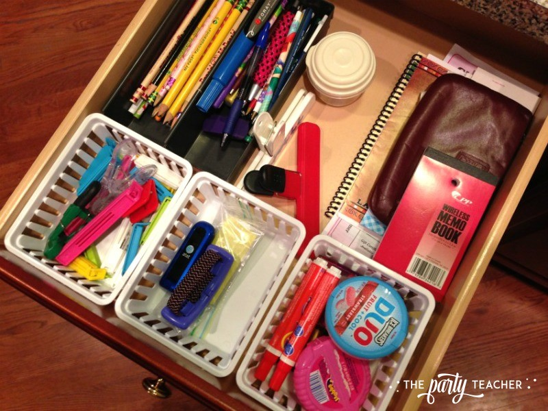 Organizing kitchen junk drawers - The Party Teacher