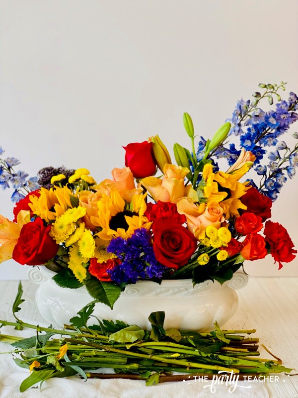 How to Arrange Flowers by The Party Teacher-WM14