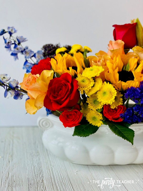 How to Arrange Flowers by The Party Teacher-WM25