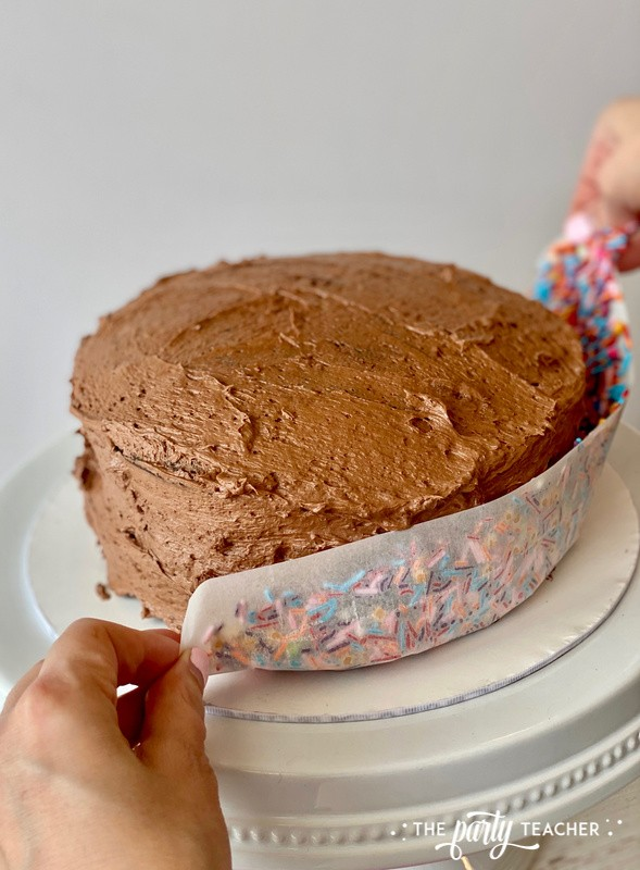 How to sprinkle cake by The Party Teacher - 2