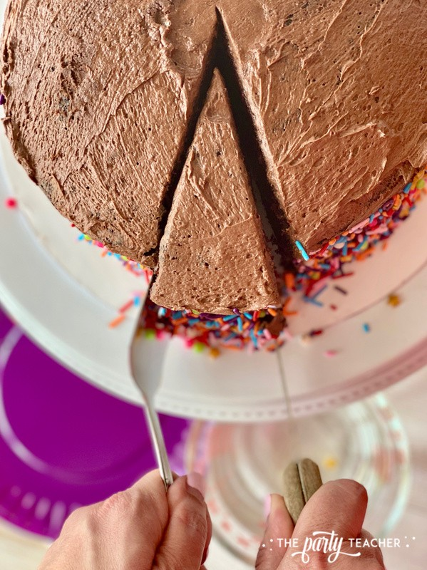 How to slice cake - The Party Teacher 3