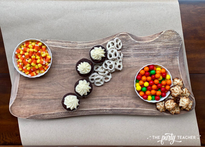 How to Make an Easy Thanksgiving Charcuterie Board - The Party Teacher-add pretzels macaroons