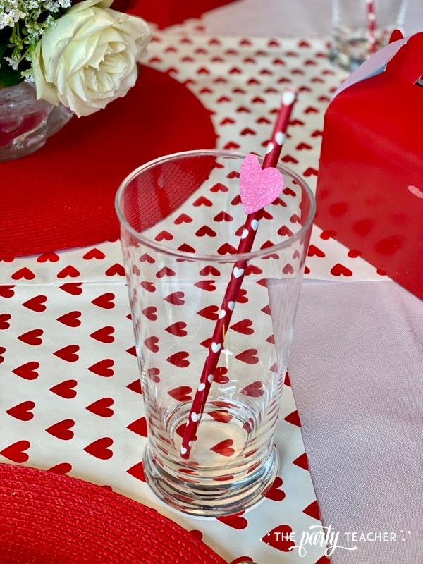Valentine's heart straw with foam heart sticker - The Party Teacher - 1