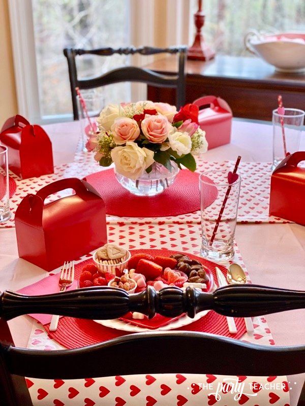 Valentine's place settings - The Party Teacher - 1