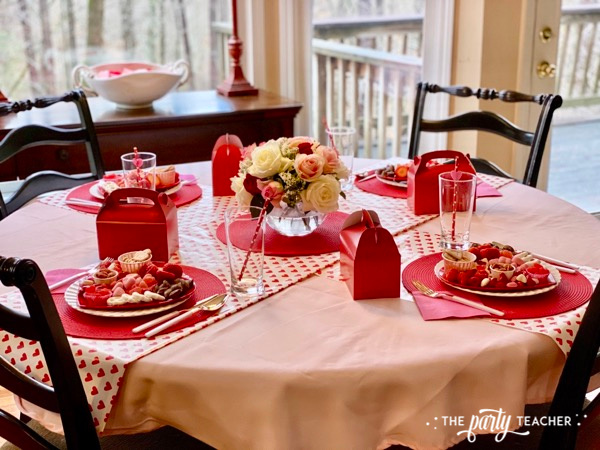 Valentine's place settings - The Party Teacher - 2