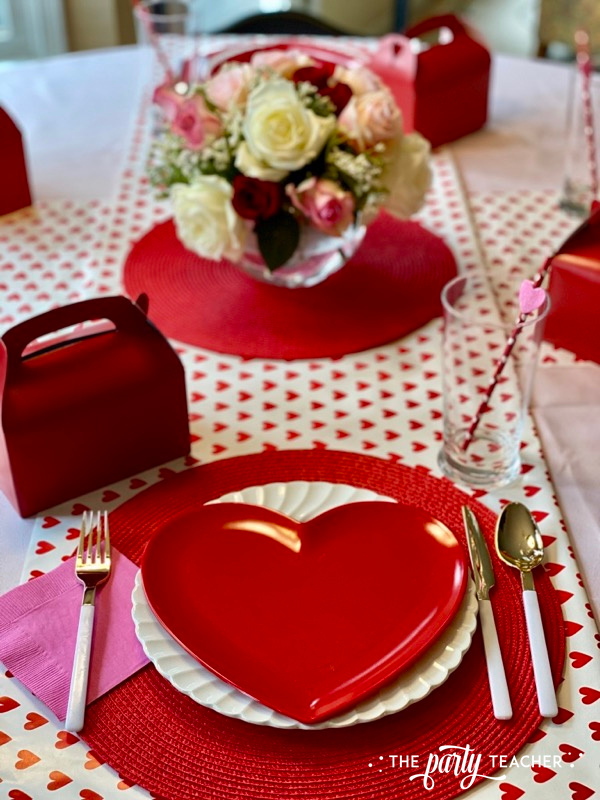 Valentine's place settings - The Party Teacher - 4
